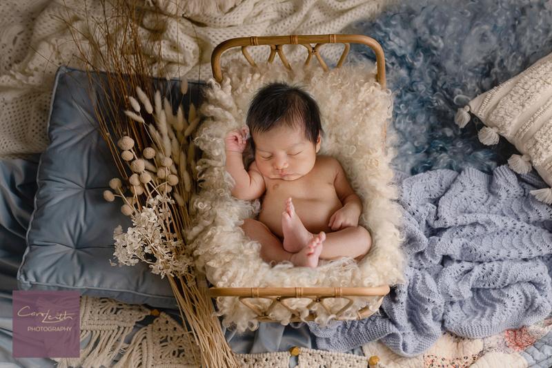at home newborn photo shoot