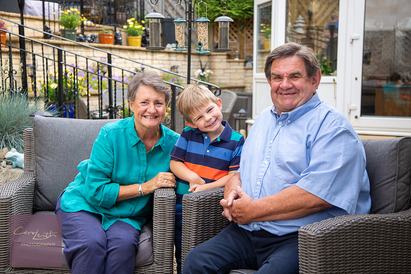 Relaxed Family portraiture