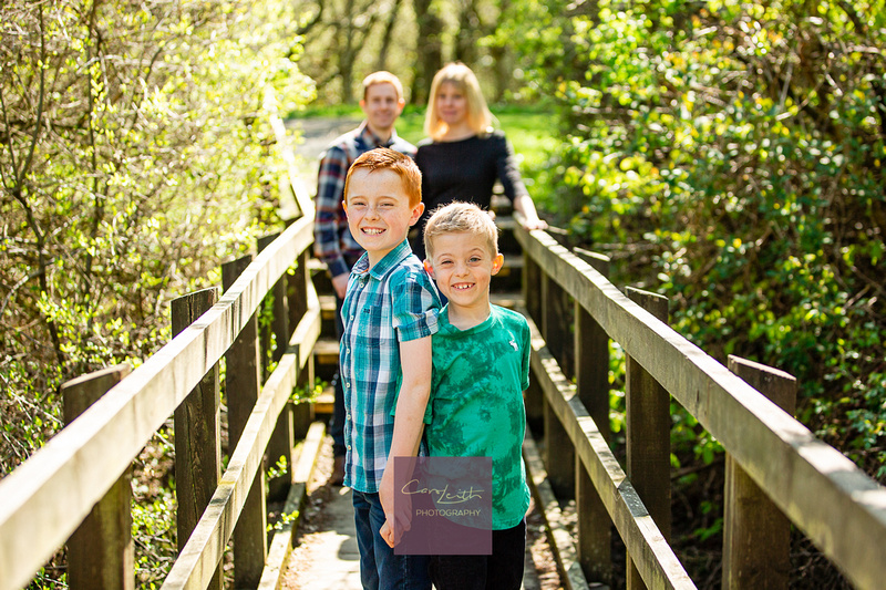Aberdeen photographer creating natural family portraits to cherish