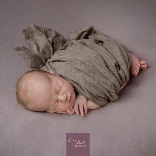Aberdeenshire Newborn photographer