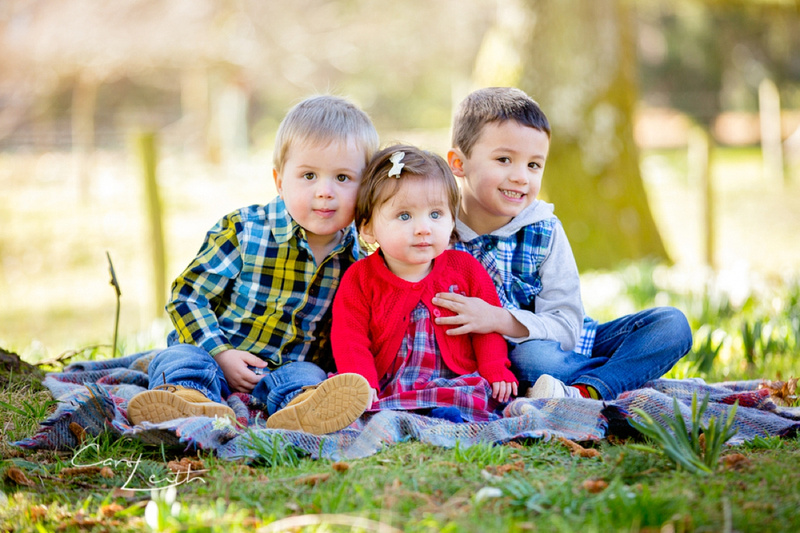 Outdoor family photo session in Aberdeen