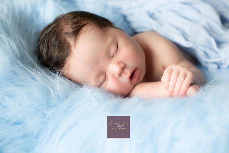 Aberdeen Newborn and family Photographer